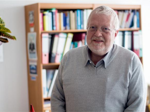 Dr. Wolfgang Frisch